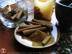 Cinnamon canes and ground powder